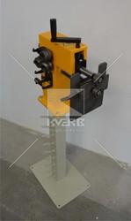 Зиговочная машина для обработки кромок металла
